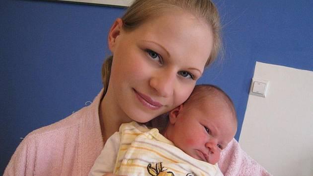 Laura Odstrčilová se jmenuje dcera Pavly Zachařové a Jaroslava Odstrčila z Cotkytle. Svět spatřila 28. března v 18.13 hodin, kdy vážila 3,53 kg.