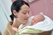 Daniel Škop bude doma s rodiči Janou a Patrikem v Oucmanicích.Narodil se 31. 1. v 17.57 hodin, kdy vážil 3,78 kg. Bráška se jmenuje Dominik.