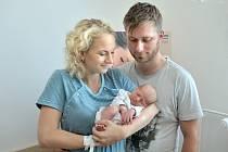 Filip Březina těší rodiče Pavlu a Víta ze Sázavy. Chlapeček se narodil 2. 8. ve 13.37 hodin, kdy vážil 2,60 kg.