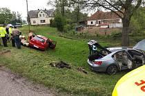 U nehody dvou aut v Damníkově zasahovaly všechny složky IZS.