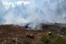 Požár lesa u Bartošovic