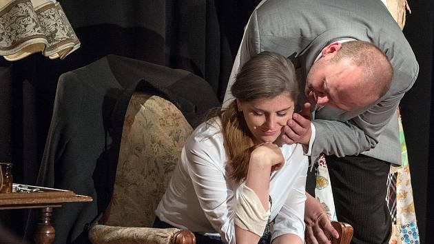 Hra Sex pro pokročilé v podání Divadla Studio DVA v českotřebovském Kulturním centru.