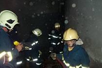 V Helvíkovicích hořel sklad.