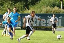 Zdeněk Vaňous (vpředu) dal v utkání s Mýtem dva góly.