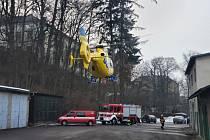 Pod pěti dětmi se v Zámeckém rybníku v Žamberku prolomil led.