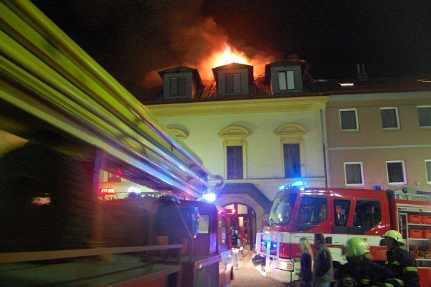 Požár na náměstí v Žamberku.