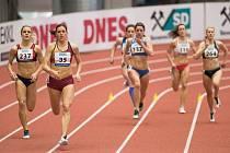 POUZE souboj s mistryní světa sváděla při finále mistrovství republiky dospělých Zdeňka Seidlová (vlevo).