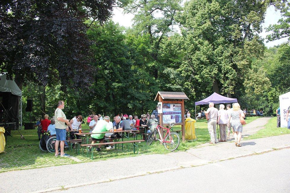 V pátek 16. července mohli lidé prvně ochutnat zlatý orosený mok a podívat se také do areálu staronového pivovaru.