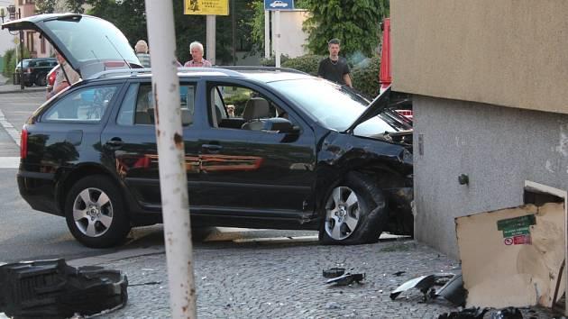 Dopravní nehoda dvou osobních automobilů v Chocni.
