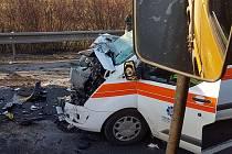 Nehoda sanitky mezi Ústím nad Orlicí a Libchavami.