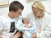 Matěj Krejsa bude doma s rodiči Lucií Anderlovou a Jakubem Krejsou v Kameničné. Na svět přišel 22. 5. v 10.09 hodin, kdy vážil 3,86 kg.