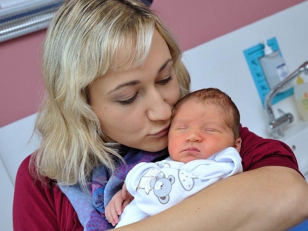 Viktorie Vyšínová poprvé uviděla svět 9. září v 9.28 hodin. Radují se z ní manželé Monika a Daniel z Letohradu- Červené. Holčička vážila 3,18 kg.