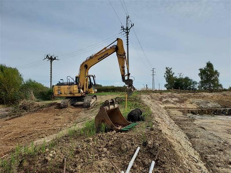 V současnosti pokračují stavební úpravy.