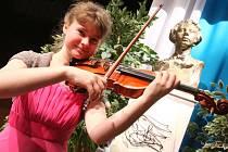 Laureátem Kocianovy houslové soutěže se stala Pavla Tesařová.