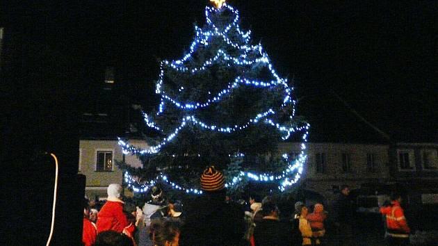 Rozsvícení vánoční stromu v Letohradě.