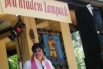 7. Hudební festival pod hradem Žampach provázelo letní počasí a vysoká divácká účast.