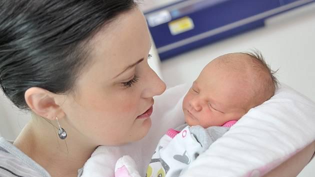 Josefína Zolmanová, tak pojmenovali dceru Adéla a Milan z Kameničné. Narodila se 26. 3. v 19.18 hodin, kdy vážila 2,89 kg.