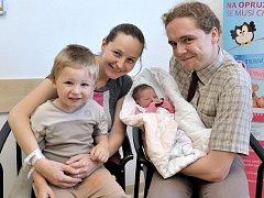 Elen Pokorná rozšířila rodinu Anežky a Jana z Ústí nad Orlicí. Když se 7. 6. v 1.12 hodin narodila, vážila 2,99 kg. Doma se na ni těší i sourozenec Marian.
