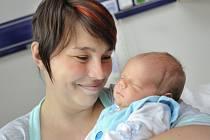 Matouš Šrefl se narodil 28. května v 7.55 hodin do rodiny manželů Silvie a Kamila z Kunvaldu, kde už mají dceru Dominiku.  Chlapeček vážil 4,135 kg.