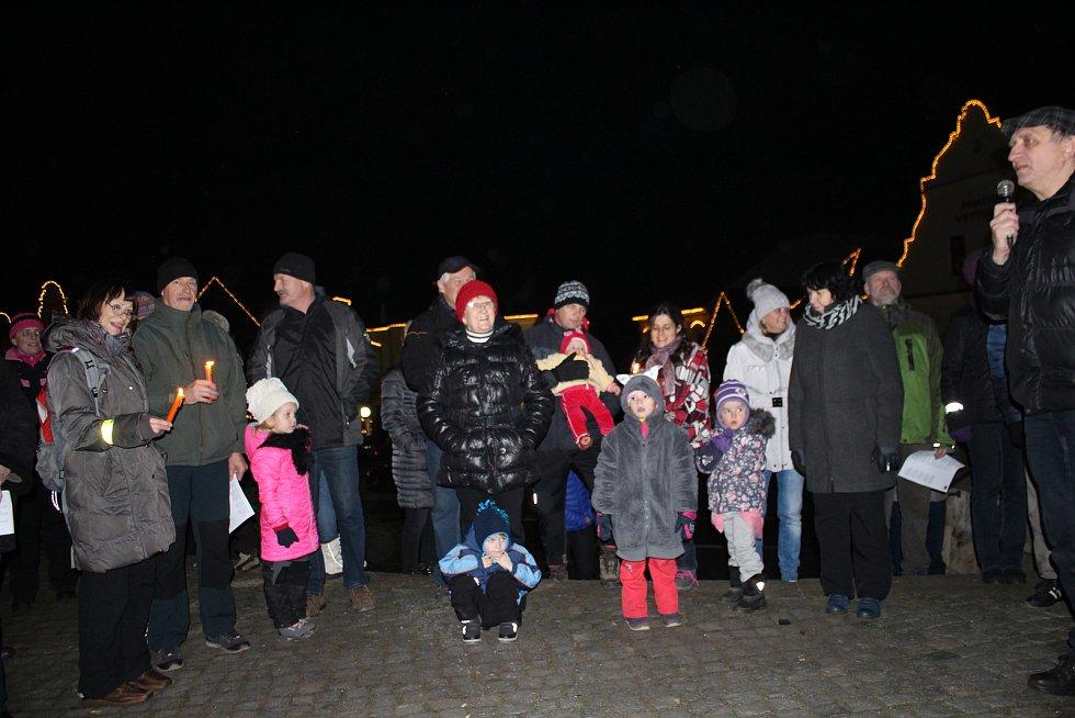 Česko zpívá koledy v Jablonném nad Orlicí.