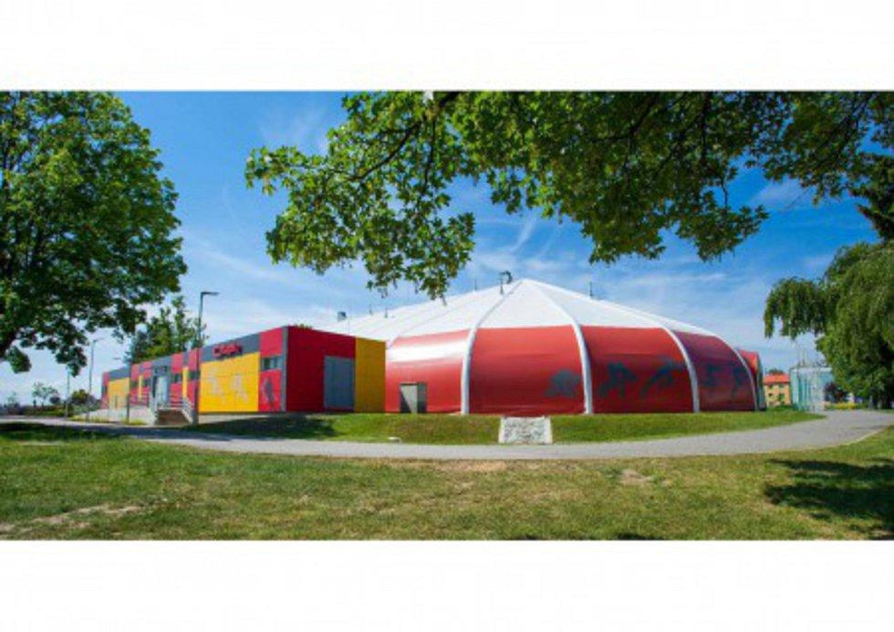 Šapito – víceúčelová sportovní hala Svitavy