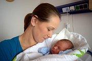 Ondřej Hanyš je prvním potomkem Lucie a Martina z Lanškrouna. Chlapeček při narození 6. 2. v 15.28 hodin vážil 3,535 kg.