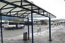 Autobusové nádraží v Ústí nad Orlicí.