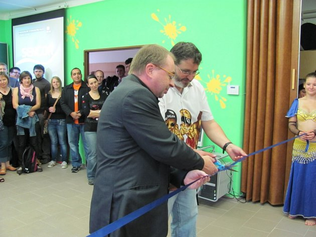 Z otevření volnočasového klubu Kamin v Ústí nad Orlicí.