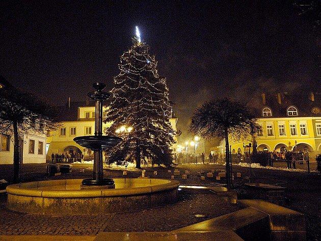 Třebovští tradičně slavili na náměstí.