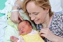 Anežka Bárnetová bude doma v Lukavici s rodiči Pavlínou a Martinem. Když se 8. dubna v 8.53 narodila, vážila 3,58 kg.