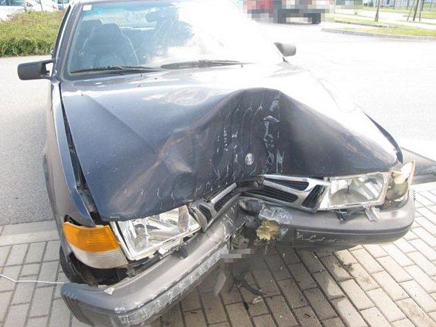 Řidič saabu pod vlivem alkoholu a drog havaroval v Letohradu.