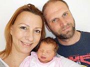 Helena Leuchterová se narodila dne 5. 4. v 10.59 hodin Zuzaně a Jiřímu z Vamberka, kdy si přinesla váhu 3400 g. Doma se na ni těší i bratr Michal.