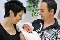 Dominika Rozlílková je po Vanesce a Ivoškovi třetím potomkem manželů Romany a Ladislava z Ústí. 11. května ve 4.04 je potěšila hmotností 3,73 kg.