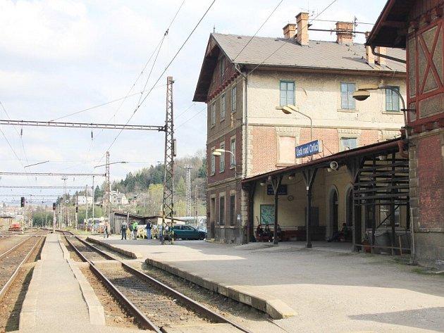 Místo přípoje cestující dost často v Ústí nad Orlicí nalézají jen prázdné nádraží.