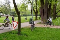 První květnová neděle byla v choceňském zámeckém parku věnována malým cyklistům.
