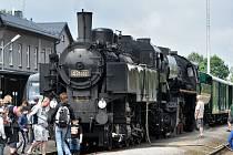 Parní lokomotivy v sobotu brázdily koleje Orlickoústecka a Králicka. Na trať vyjela Ventilovka i Němka, které táhly zrestaurované dobové vagóny.