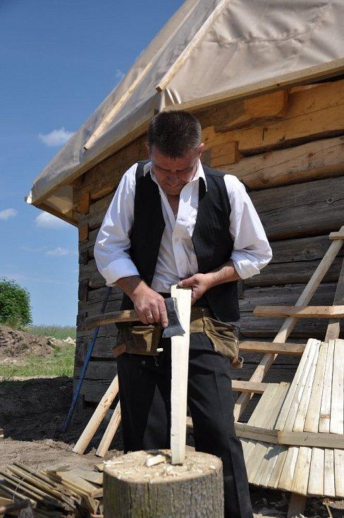 Češi a Poláci obnoví unikátní stodolu a špýchar.