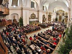 V kostele Nanebevzetí Panny Marie v Ústí nad Orlicí se uskutečnil Tříkrálový koncert, který zakončil další ročník tradiční Tříkrálové sbírky v Ústí nad Orlicí.