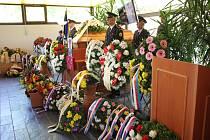 Z pohřbu Emila Duška.