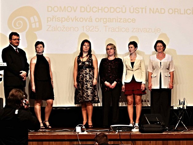 1. společenský galavečer Domova důchodců v Ústí nad Orlicí.