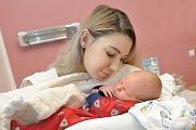 Tadeáš Sýkora je prvním dítětem Dominiky a Martina z Týniště nad Orlicí. Narodil se 18. 12. ve 13.57 hodin s váhou 3,800 kg.
