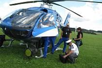 """PIRÁTY SILNIC včera odpoledne monitoroval na Vysokomýtsku, především na frekventované """"pětatřicítce"""", policejní vrtulník."""