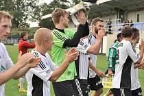 Po utkání s Olympií si mohli fotbalisté Ústí zatleskat.