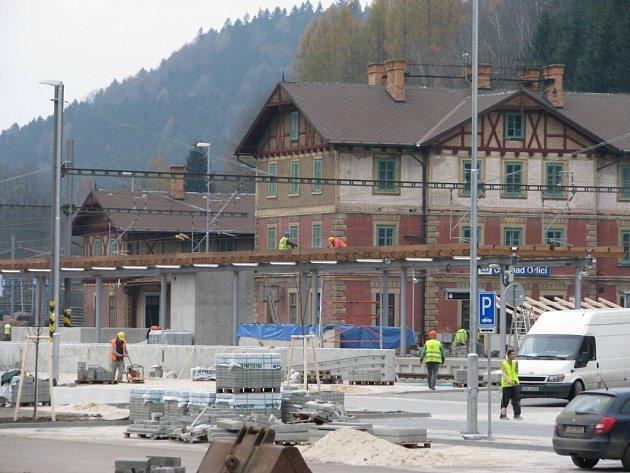 Z modernizace železničního uzlu v Ústí nad Orlicí.