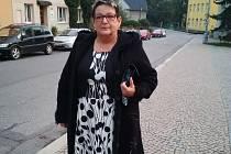 Mohla si užívat důchodu, přesto znovu oblékla stejnokroj zdravotní sestřičky a pomáhá v Litomyšlské nemocnici. Jana Březinová to bere jako samozřejmost.