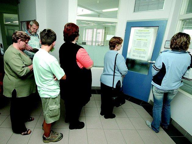 Pomocní a nekvalifikovaní jsou nejpočetnější skupinou uchazečů o práci.