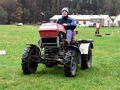 Na nekořské traktoriádě soutěžili Čáryfuk, Miminko i Plecholet