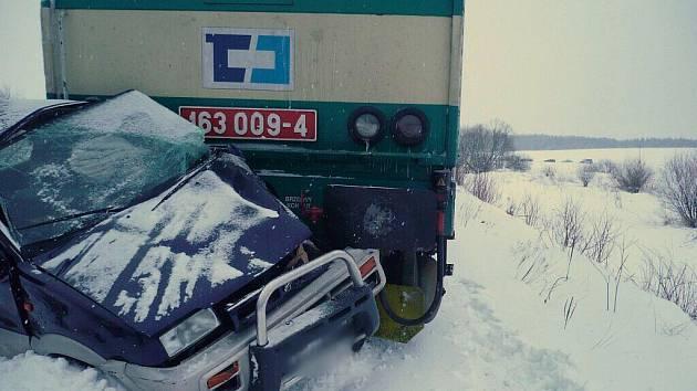 Vlaky na Choceňsku zastavila tragická nehoda.