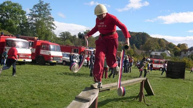 Mladí hasiči ukázali všestrannost.