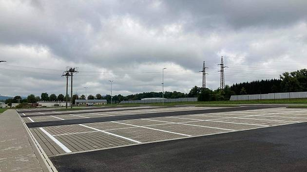 Nové parkoviště u OEZ v Letohradě.